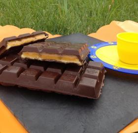 Tablette de chocolat au melon biscuitée